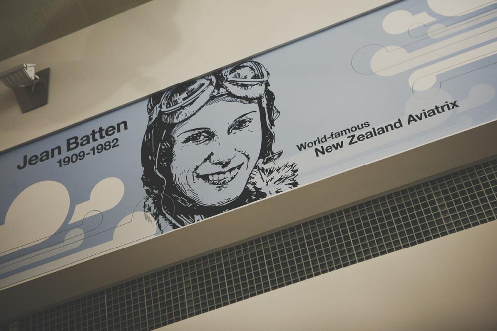 Плакат в Аэропорту - Новая Зеландия