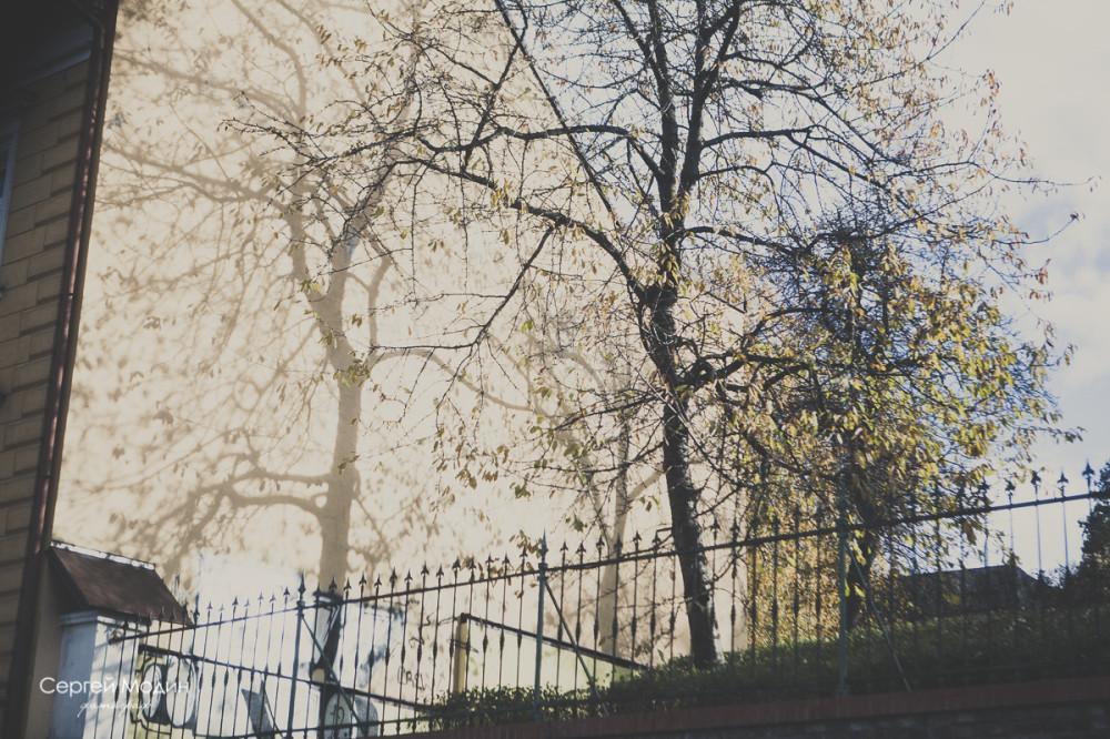Тени на здании - Прага