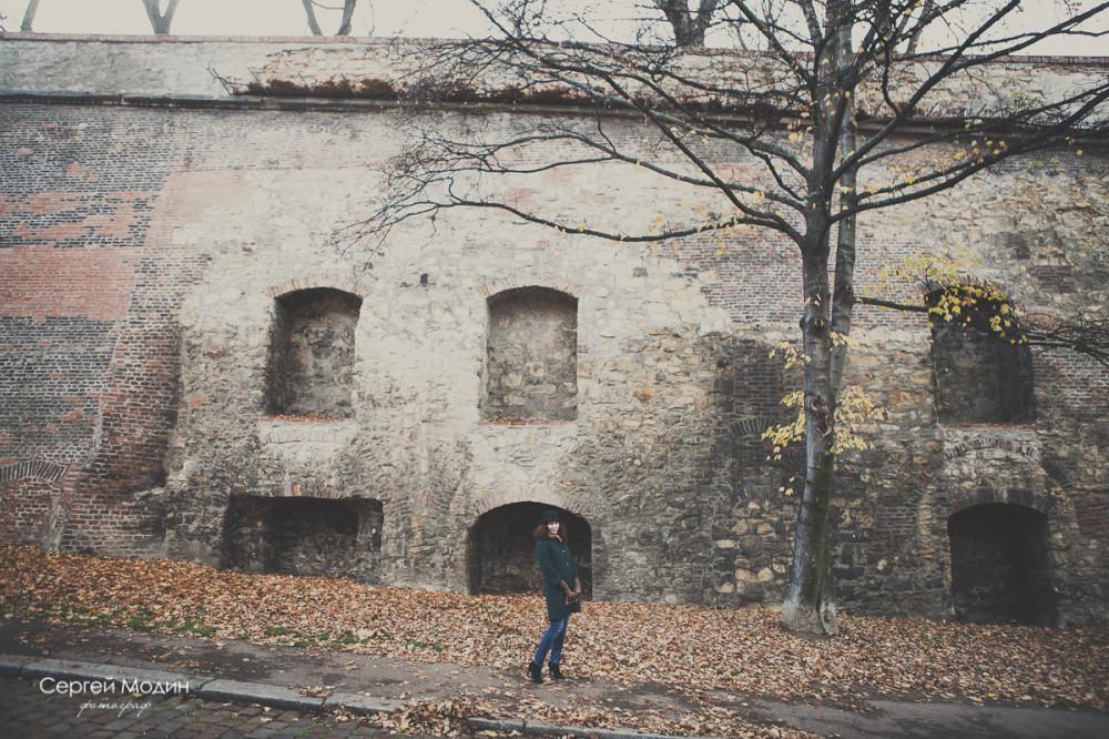 Стена возле отеля Lindner - Прага