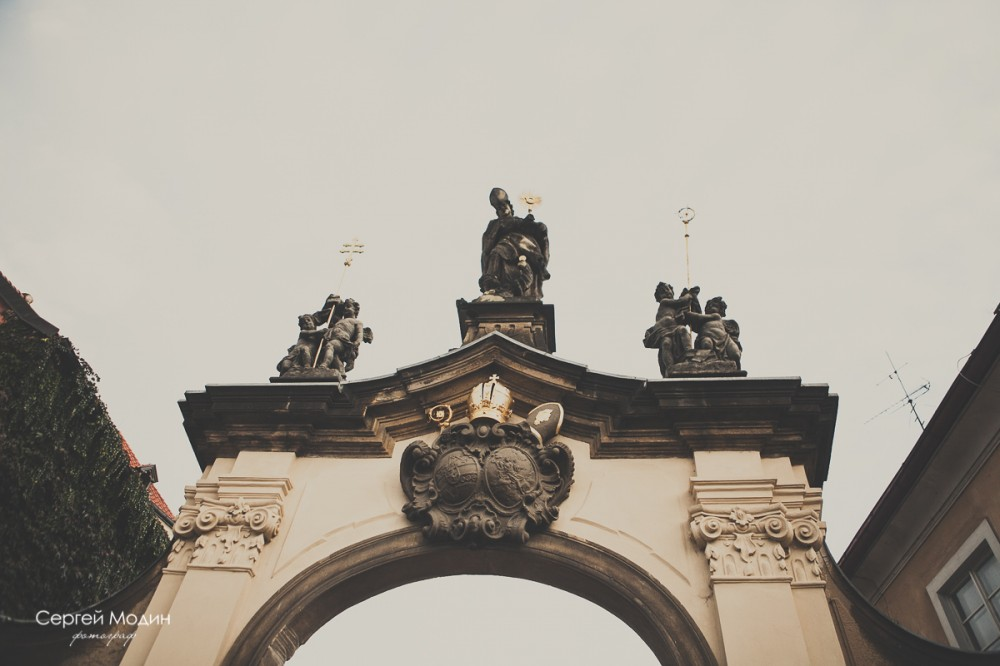 Ворота возле Страхова Монастыря - Прага