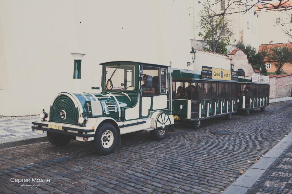 Экскурсионный паровозик в Праге
