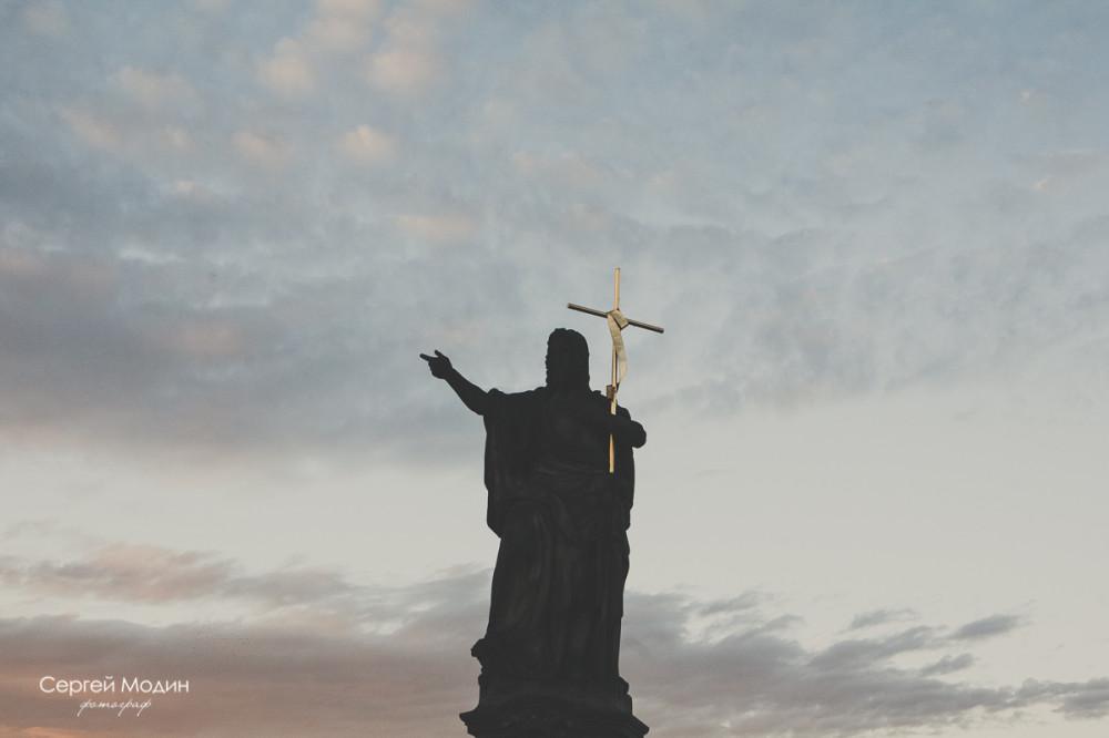 Памятник на Карловом Мосту - Прага