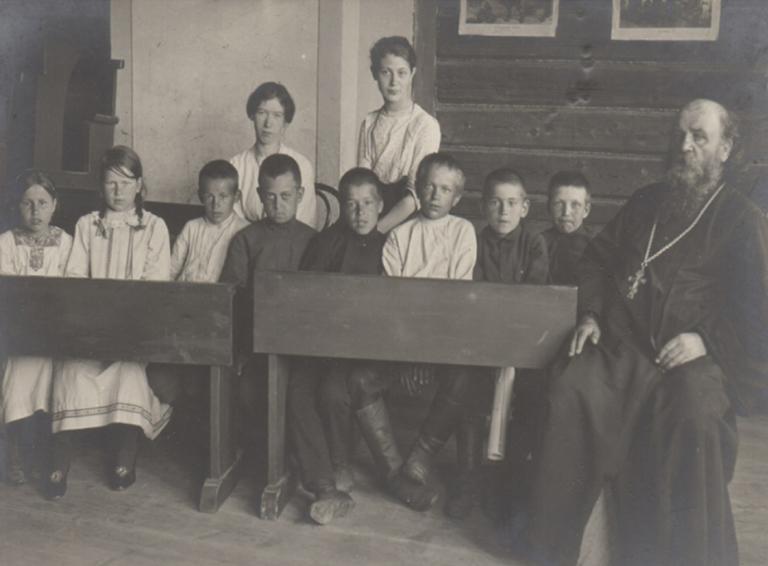 Школа в селе Великовечном на рубеже XIX-XX вв