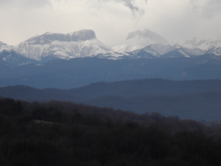 Поездка к скале Ярычская. Капризы весны. поездка выходного дня