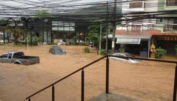 сильный потоп на Самуи
