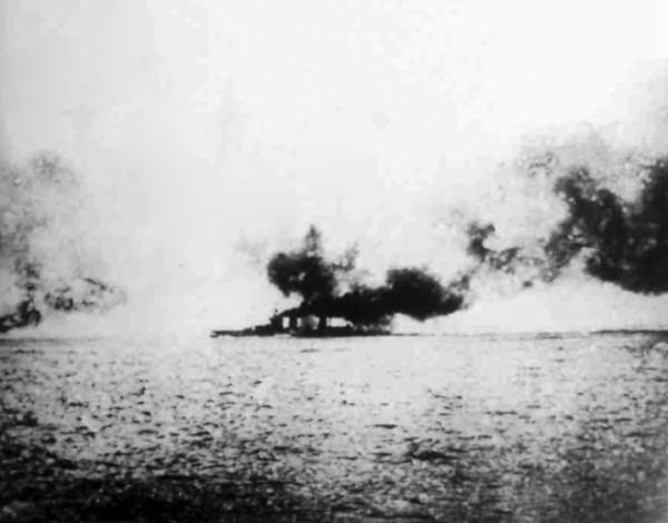 Lion receiving hit on Q turret at Jutland