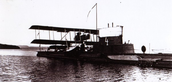 B-4 with MF-2 seaplane
