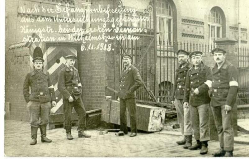 восставшие моряки в Вильгельмсхафене в 1918