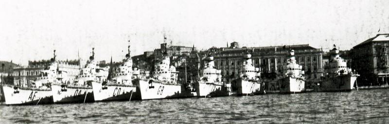 Caccia all'ormeggio in Bacino San Giusto a Trieste 1930s