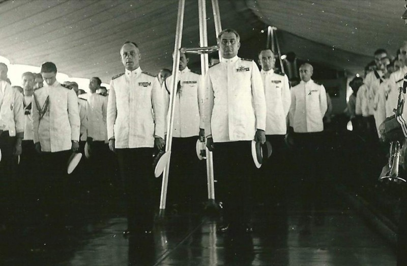 Командиры и адмиралы