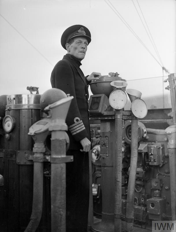 Norris Charles, Cpt on Bellona bridge 06-1944.jpg