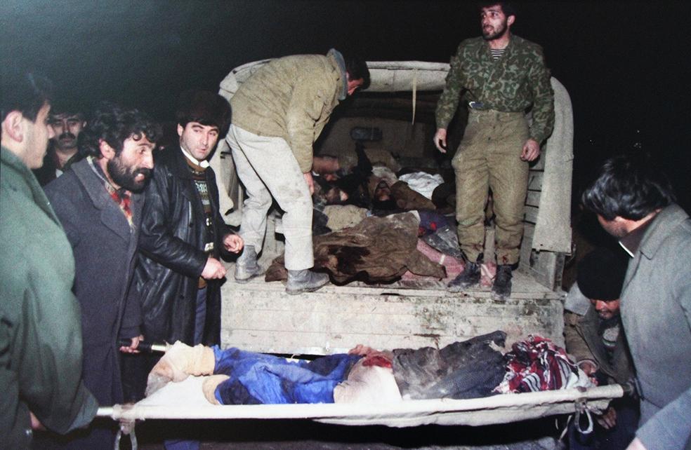 Азеры грузят жертв Ходжалинской резни