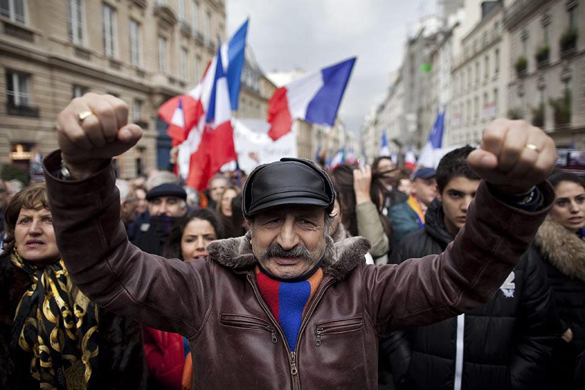 Армяне всех стран, соединяйтесь!