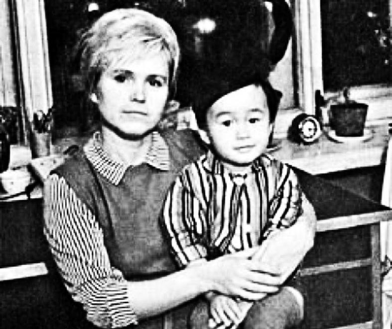 Маленький Цой и мать его