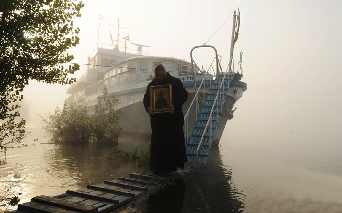 Хождение с иконой по водам