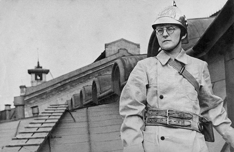 Голодный Шостакович замышляет симфонию