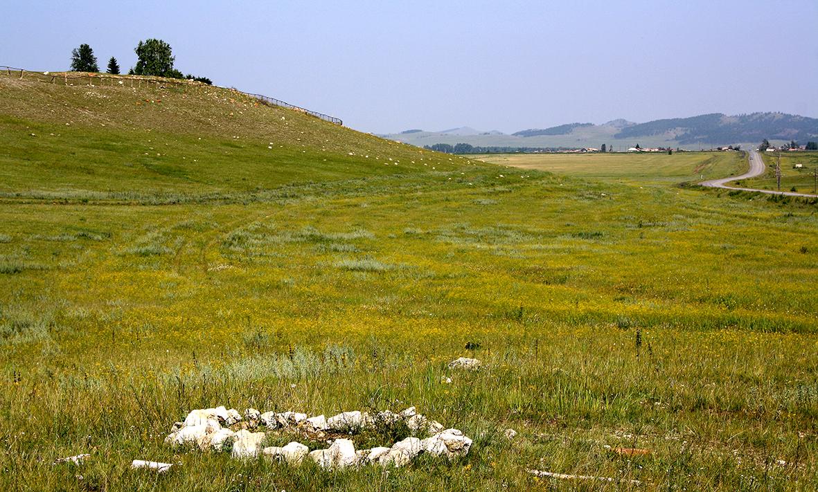 Мимо холмов - по хакасским равнинам