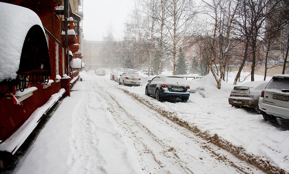 Кемерово по уши в снегу