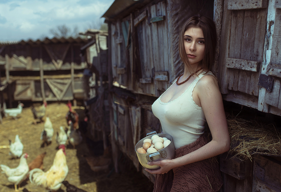Чудо природы - девушка с яйцами