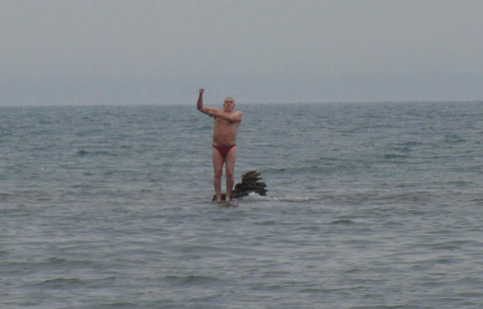 А Спаситель ходил по воде...