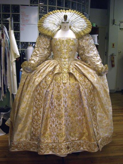 golden-elizabethan-dress