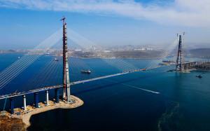 Bridge-to-the-island-of-Russkiy_6