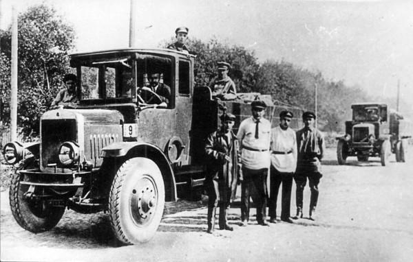 Ya-3_before_test_trial,_June_1926._Driver_is_the_chief_designer_V.V.Danilov