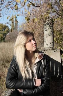 Девушка из Луганска