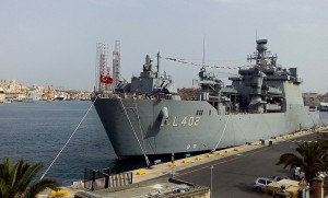 800px-TCG_Bayraktar_(L-403)_in_Valletta_harbor