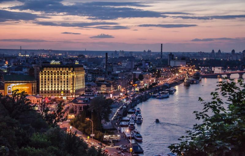 kiev-vecherniy-naberezhnaya