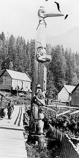 Tlingit_totem_pole