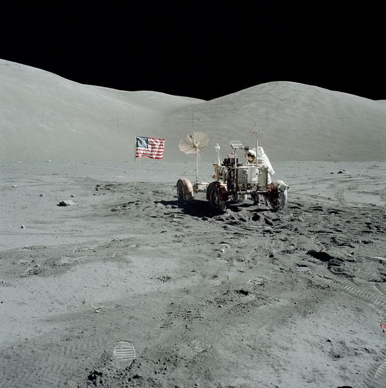 США не летали на Луну! ( летали, это для громкости заголовка написано ) A17_Cernan_&_LRV