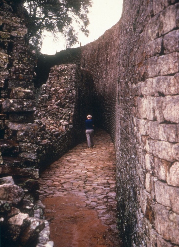 Corridor_in_Great_Zimbabwe_Ruins_--_1975