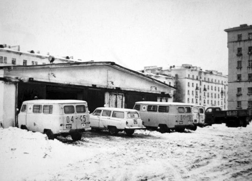 Скорая НПР гараж ул Комсом д 8