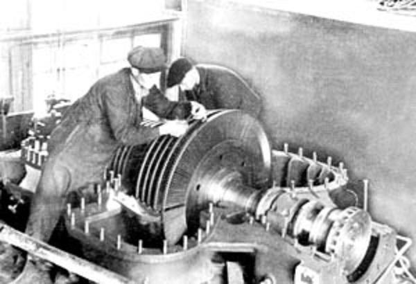 Монтаж турбины 3000 квт на ВЭС.jpg