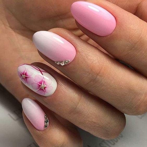 Модный маникюр для коротких ногтей светлый лак розовый белый с цветком и стразами товары для маникюра гель, лак, кисти, УФ лампы и многое другое Товары из Китая Алиэкспресс Таобао без посредников на русском языке