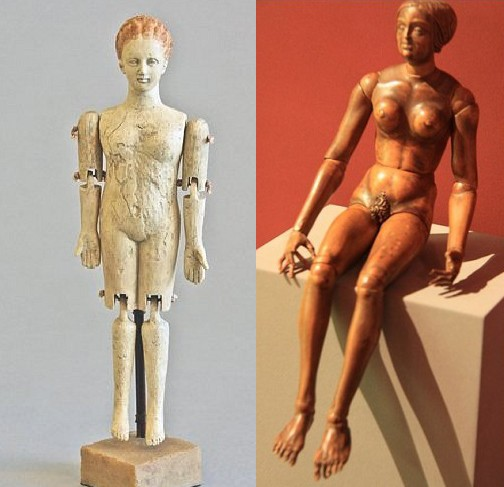 В Средние века в Италии и Южной Франции были распространены сантоны и криппы (шарнирные куклы от 20 до 60 сантиметров). В 18-19 веках немецкие и французские фирмы выпускали деревянных шарнирных кукол с фарфоровой головой и руками.