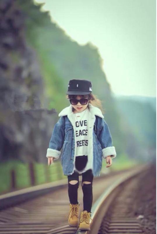 Детская джинсовая куртка с подкладкой Детские вещи для малышей и взрослых, все можно найти на нашем сайте. sevtao.ru заходите, выбирайте, заказывайте. Таобао в Севастополе без посредников.