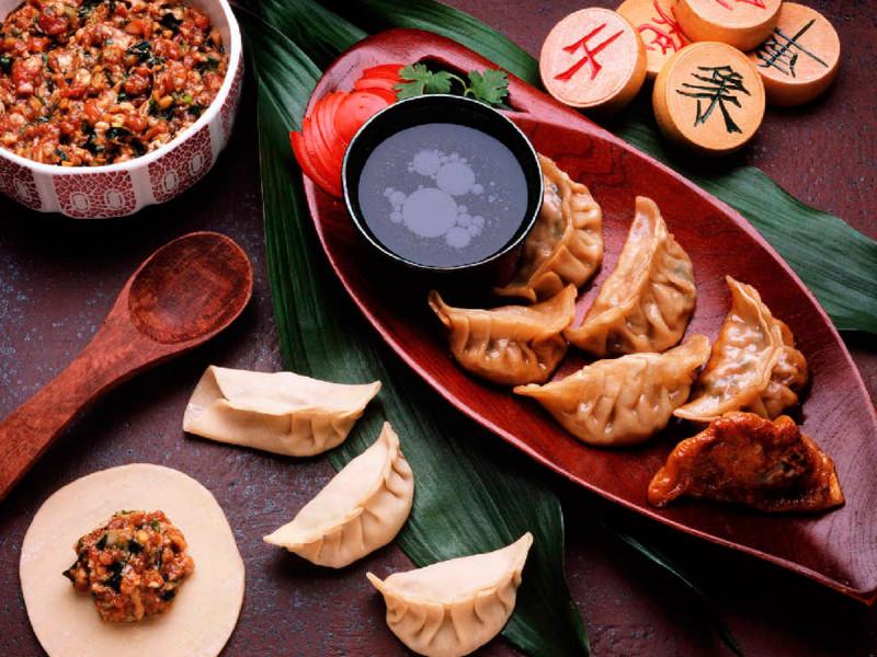 Новый год в китае Традиции празднования нового года в китае китайский новый год открытки китайские открытки красные конверты что едят китайцы на новый год китайский новогодний стол традиционная еда на новый год в китае sevtao.ruыумефщ