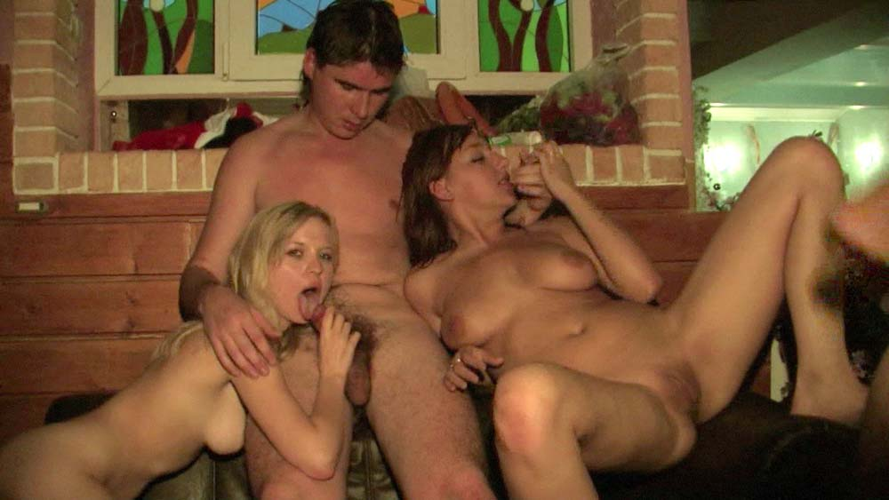 Парень ебет парня  мужское порно на GayClub