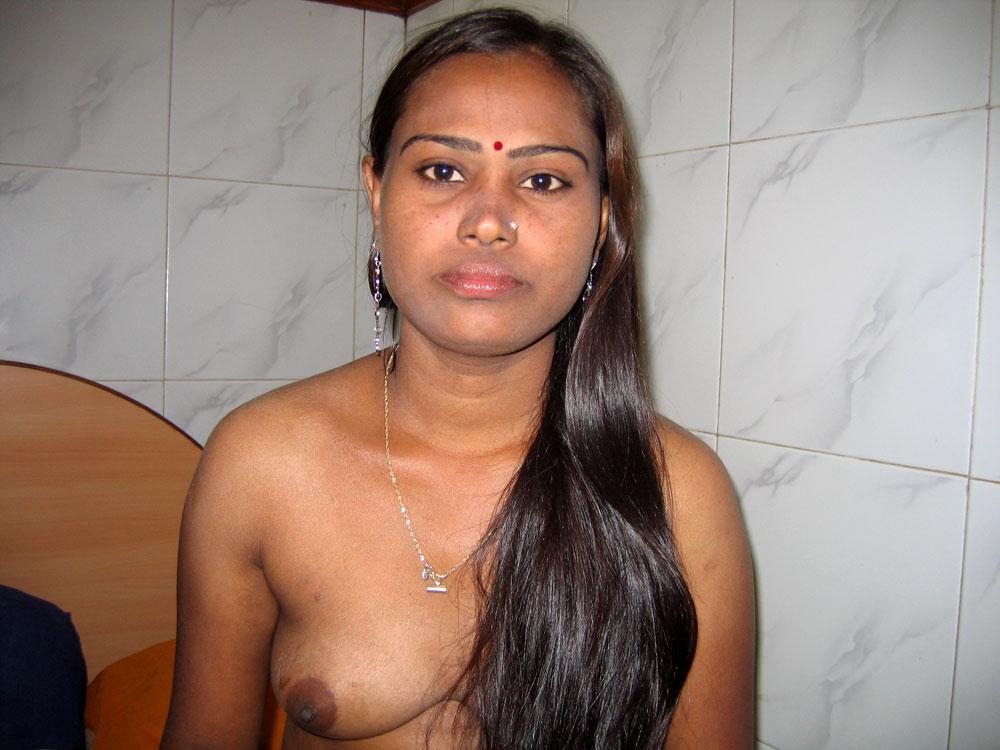 целовать осторожно индийская проститутка что