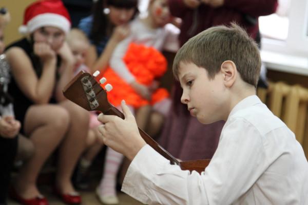 Новогодний праздник в медновском интернате. Организатор: Тверской православный молодежный клуб