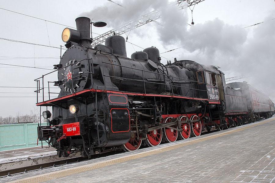 и фотографии поездов паровозов