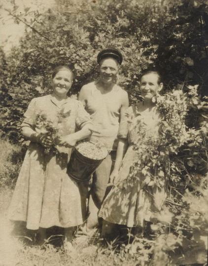 007.Шабанов Н.С. в саду