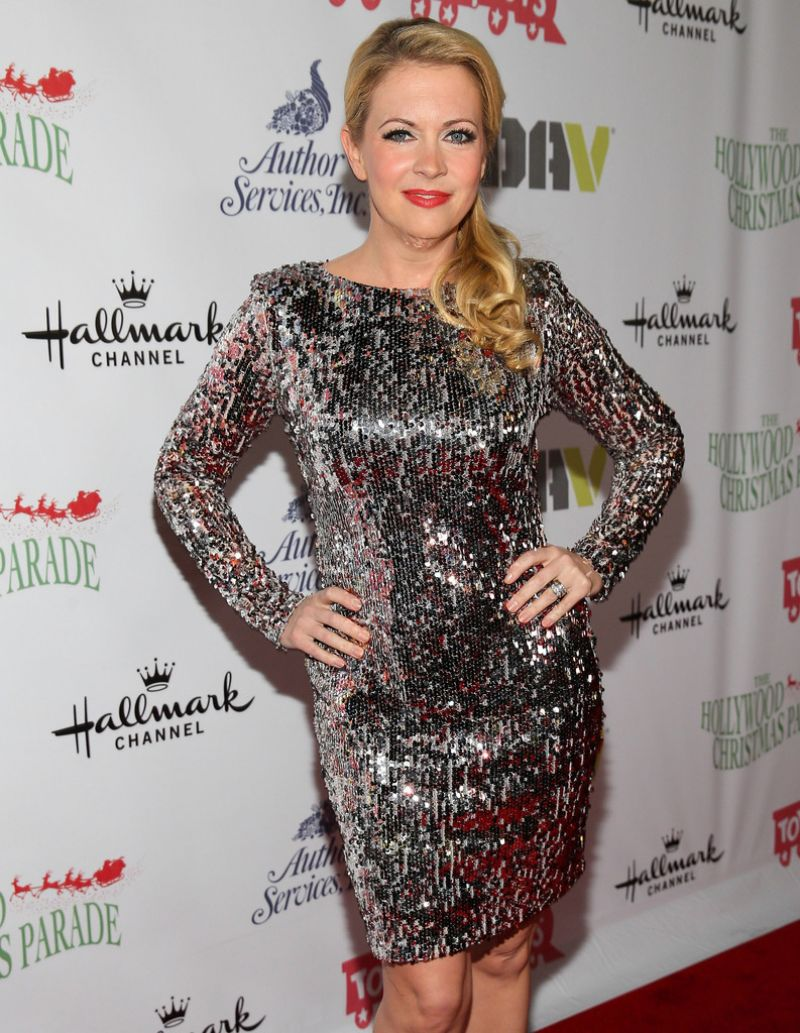 melissa-joan-hart-at-the-82nd-annual-hollywood-christmas-parade-in-hollywood