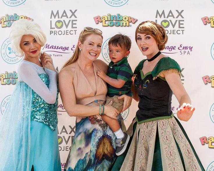 Elsa, Melissa Joan Hart, and Anna