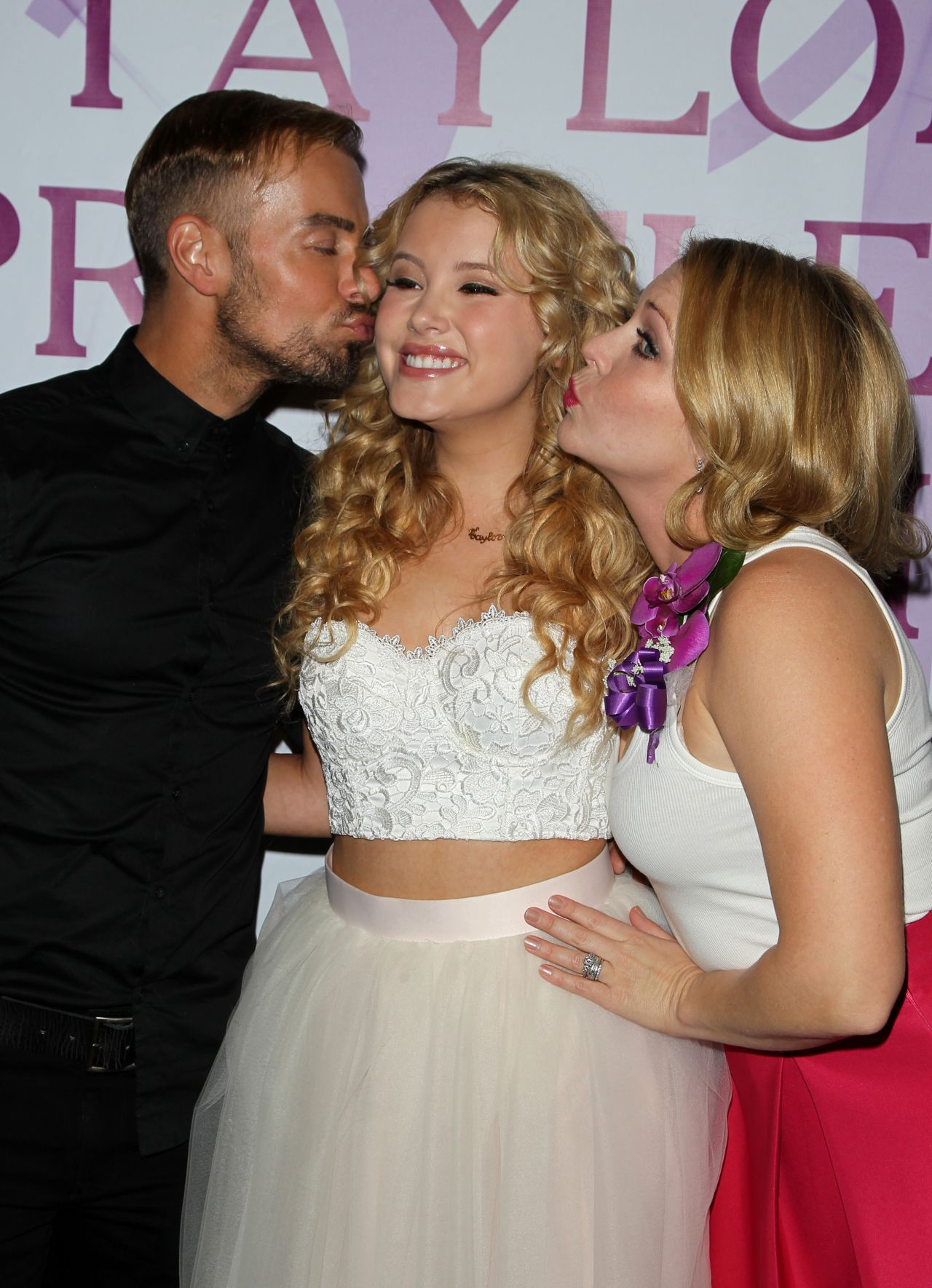 Joey Lawrence, Taylor Spreitler and Melissa Joan Hart