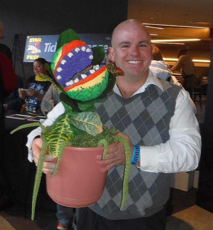 Audrey II and Seymour cosplay at Starfest 2017