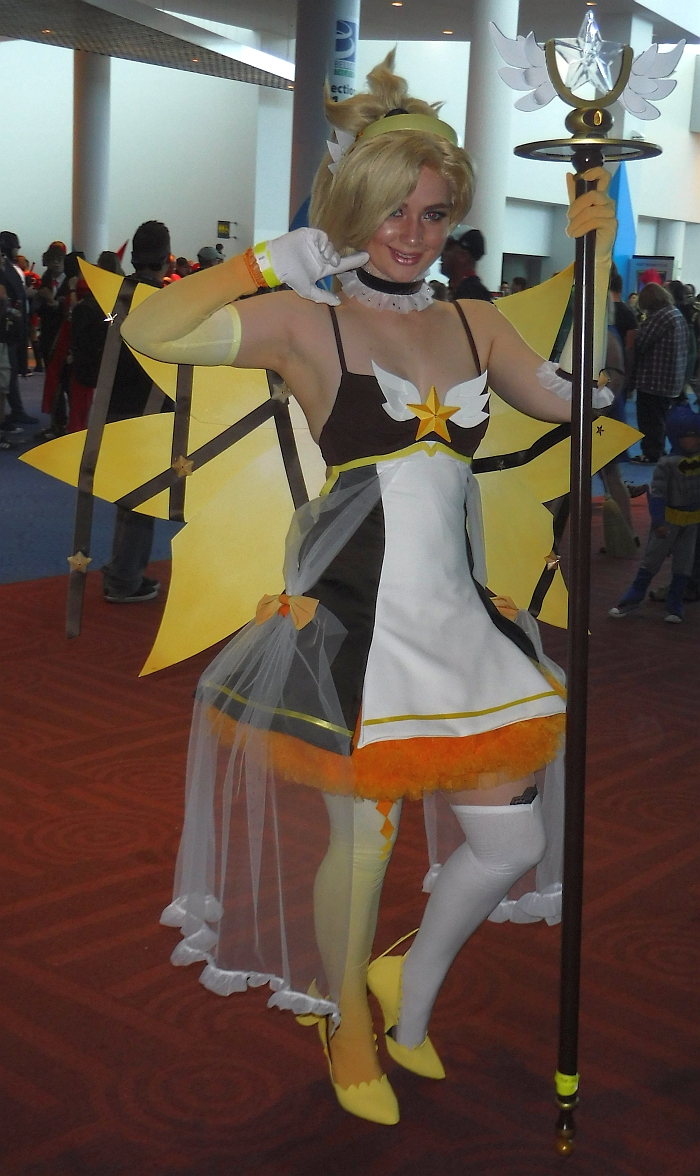 Magical Girl Mercy from Overwatch at DCC17