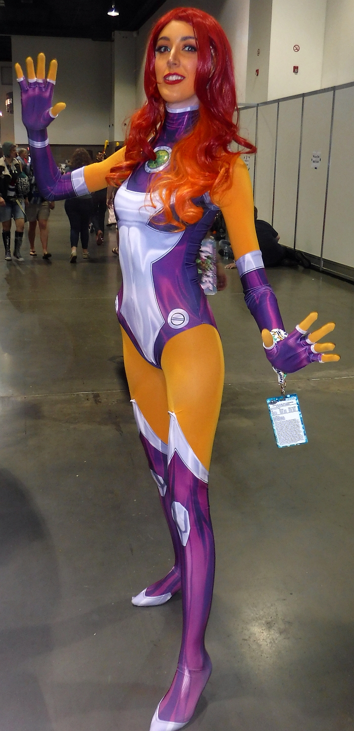 Starfire at Denver Pop Culture Con 2019.